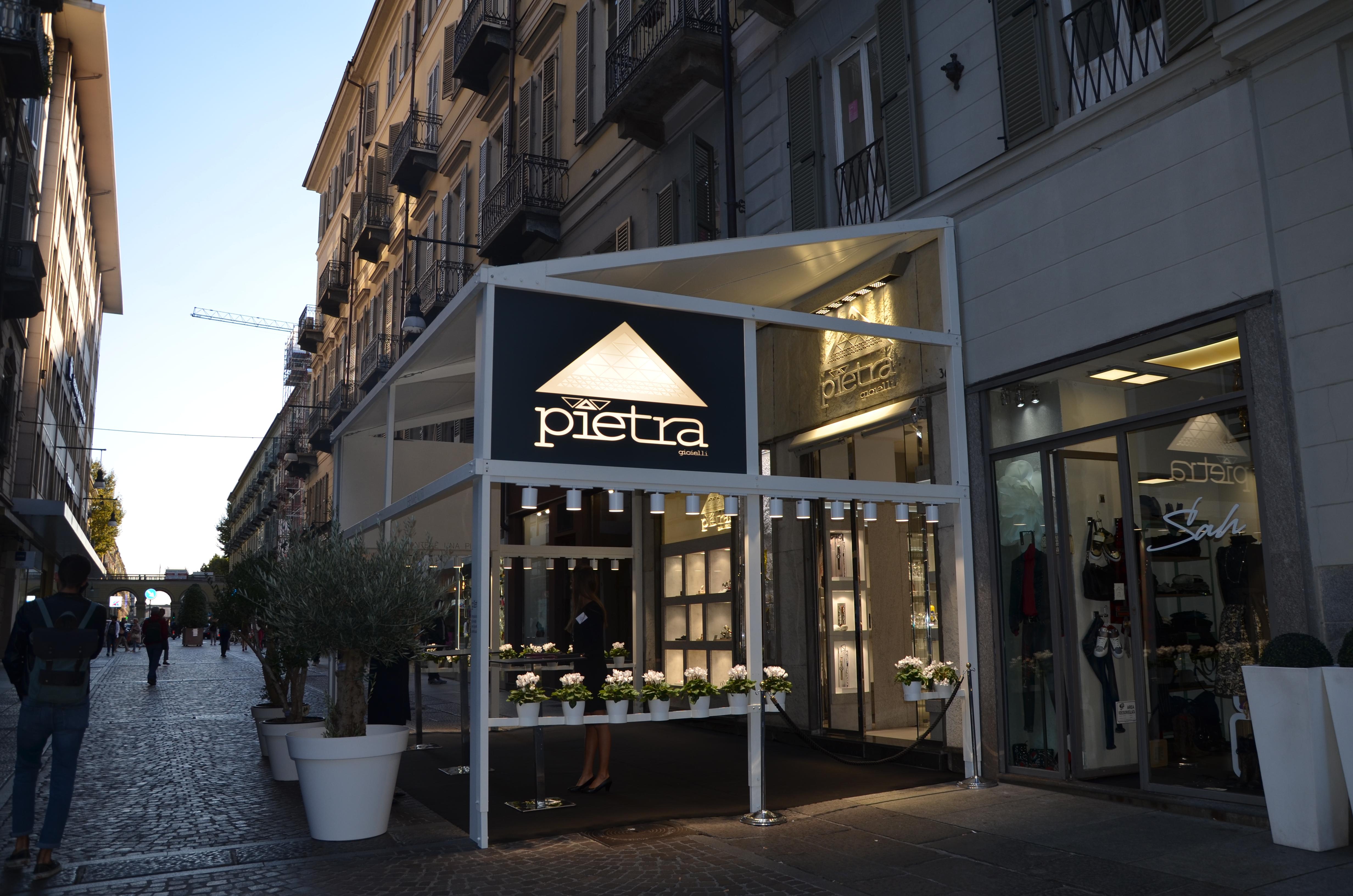 incontrare 4b424 9443f Inaugurazione Pietra Gioielli - Pietra Gioielli